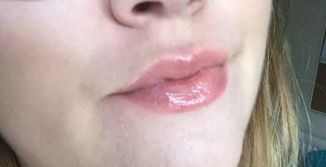 mua lipgloss