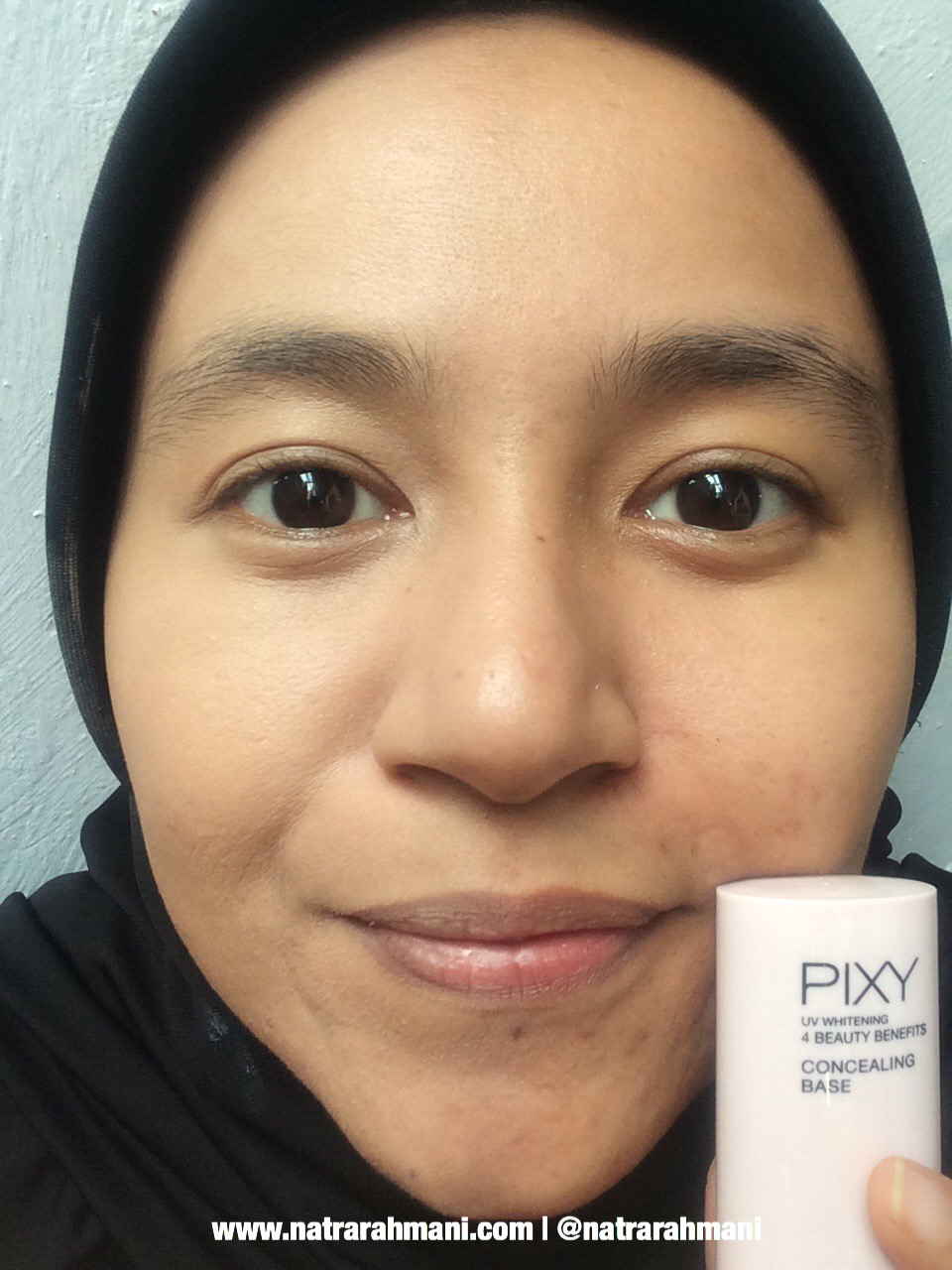 pixy-4-beauty-benefits-base-make-up-concealing-base-natrarahmani