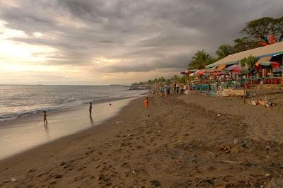 Pantai Padang, Wisata Pantai yang Indah di Padang.