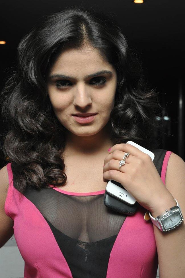 Sidhika sharma latest hot stills