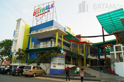Tampak Depan Nagoya City Walk Mall Batam