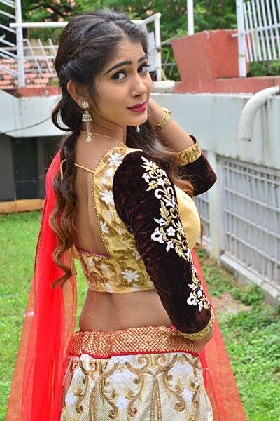 Amrutha telugu actress navel images