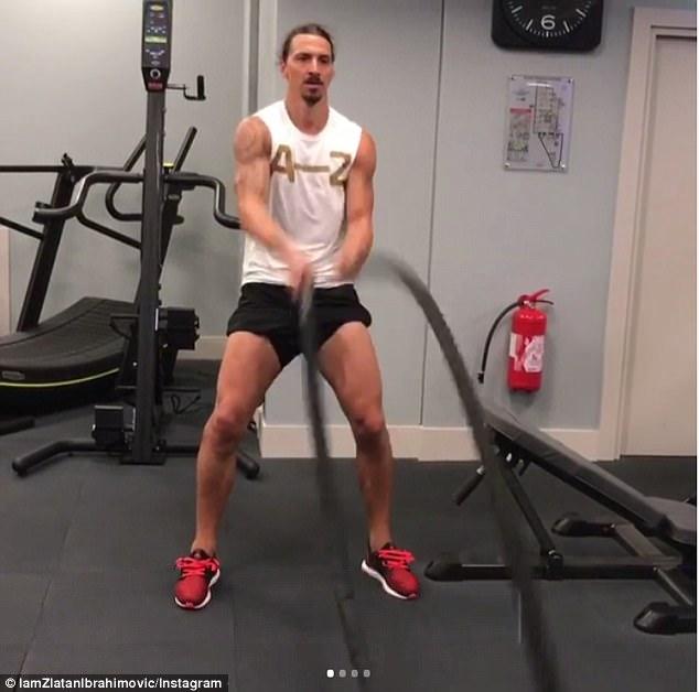 Ibrahimovic tập luyện hùng hục chờ ngày tái xuất