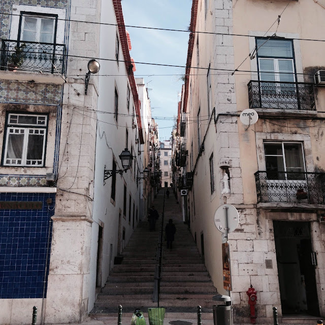rues portugal lisboa street city photo day jour