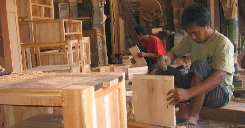 Industri Kerajinan Furniture Rembang Rembang Bangkit
