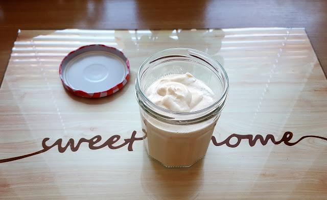 Sos czosnkowy jogurtowo-majonezowy bez konserwantów