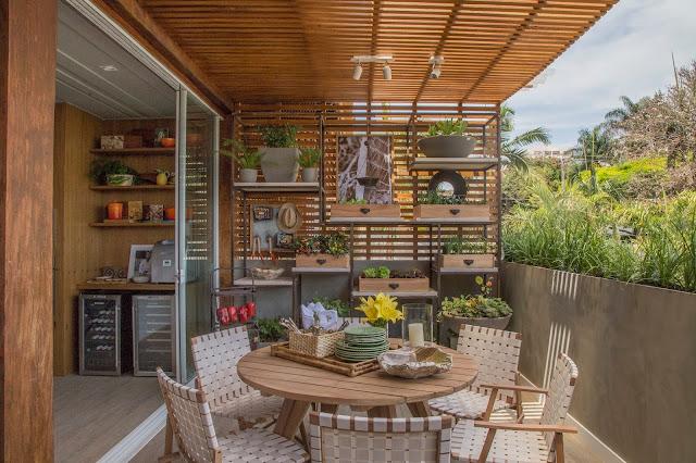 varanda-com-plantas-e-horta