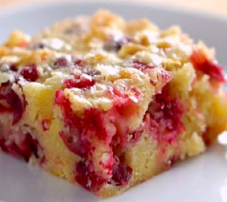 Cranberry Christmas Cake.One Perfect Bite Cranberry Christmas Cake