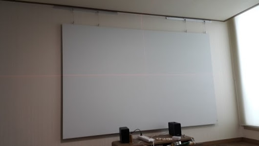 "130"" Screen DIY for Beam Projector Build Log #02 : Ambilight + wire mounting"