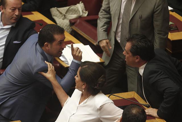 Ποιος θα προστατεύσει τη Βουλή από τους... βουλευτές;