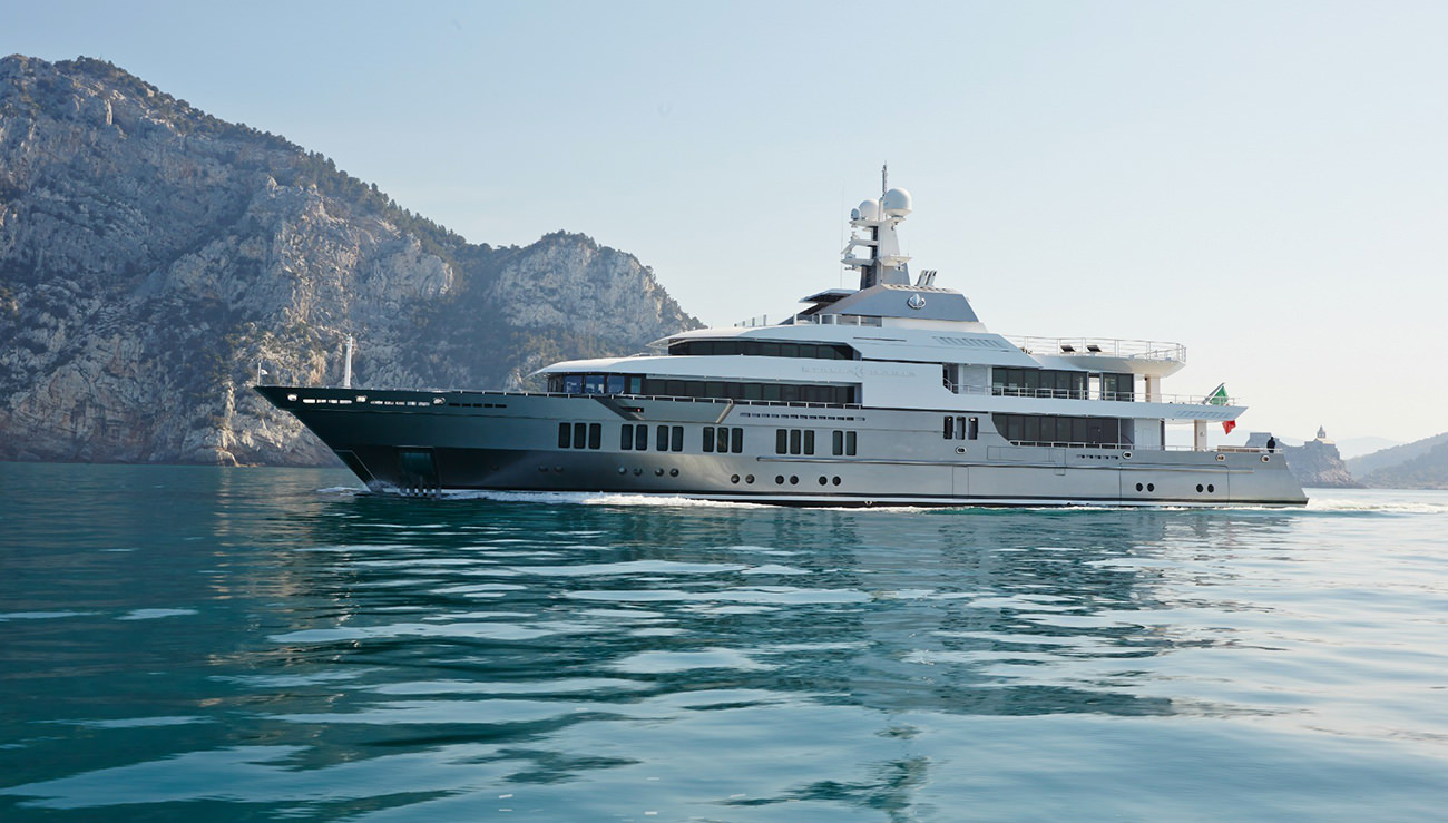 Passion For Luxury : Super yacht Stella Maris for sale with