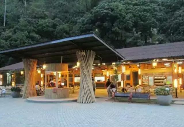Restaurant Langlang Buana Maribaya Resort