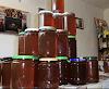 Και εσύ κορόιδο μελισσοκόμε τρέξε να πουλήσεις το μέλι σου με 4 ευρώ....