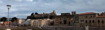 Vistas de Tortosa desde la orilla sur del Ebro.