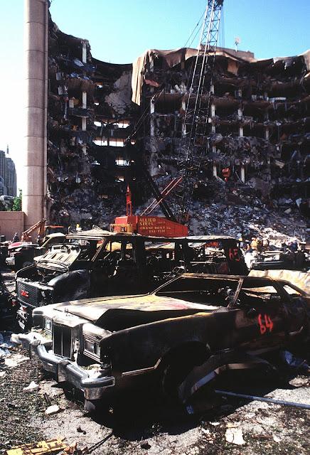 https://commons.wikimedia.org/wiki/File:Oklahomacitybombing-DF-ST-98-01356.jpg