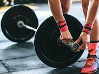 Manfaat Latihan Beban Untuk Wanita: Ssst, Nggak Bikin Badan Kekar Kok!