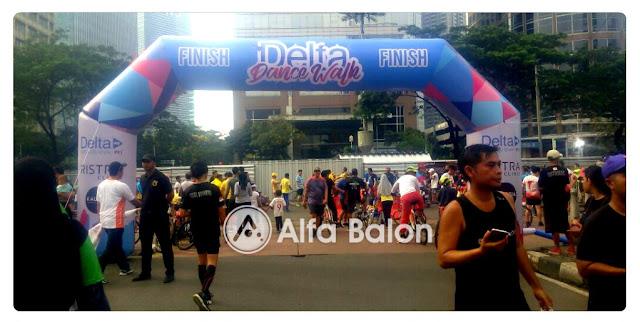 Sewa Balon Balon Gate Delta Dance Walk di FX Jakarta.