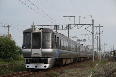 千歳線を走るスーパーカムイ785系