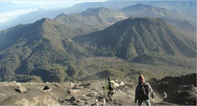 Saat Berupaya Menaklukan Keganasan Gunung Semeru Dania Agustina Rahman Meninggal di Tempat