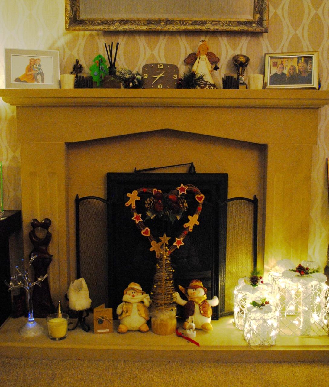 Christmas Decorations At Aldi : Cake junki lighting up christmas with aldi