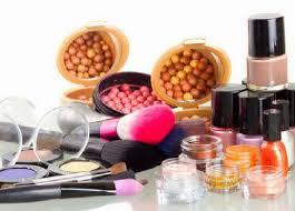 MANFAATKAN KOSMETIK YANG SUDAH KEDALUWARSA Daur Ulang Kosmetik Kedaluwarsa