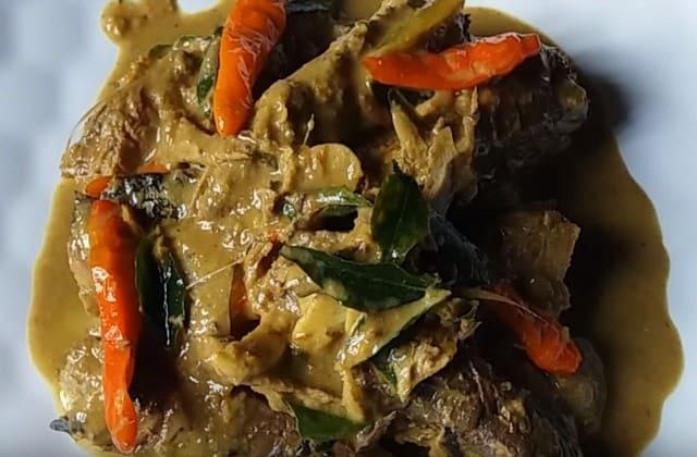 Makanan yang berjasa untuk indonesia? aceh punya makanan itu, namanya Keumamah