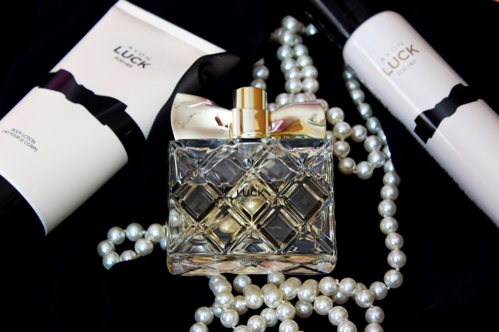 ec4935548584 My new beauty book  AVON LUCK for her