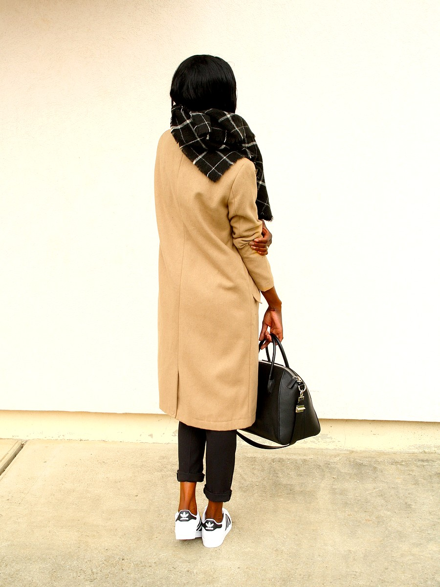 Adidas superstar Givenchy Antigona manteau camel outfit blog