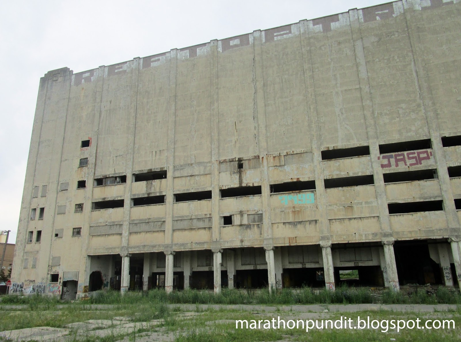 (Photos) Detroitu0027s abandoned Grand Trunk Warehouse u0026 Cold Storage & Marathon Pundit: (Photos) Detroitu0027s abandoned Grand Trunk Warehouse ...