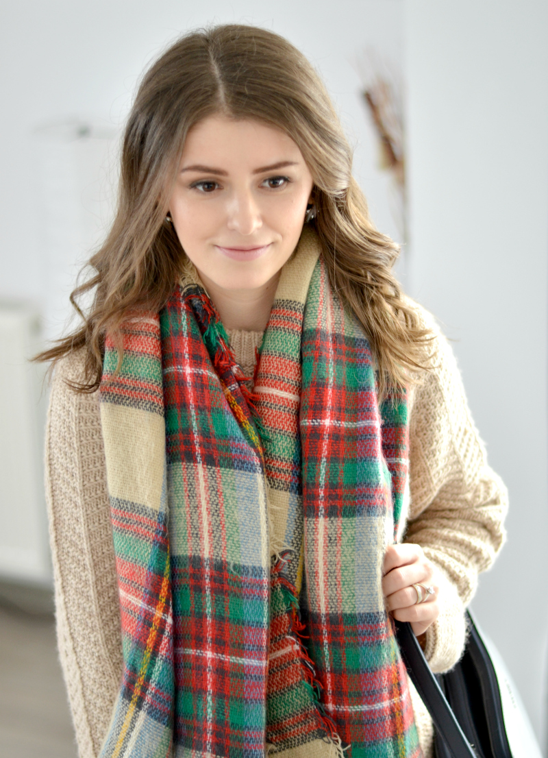 blanket tartan scarf and cable knit sweater outfit