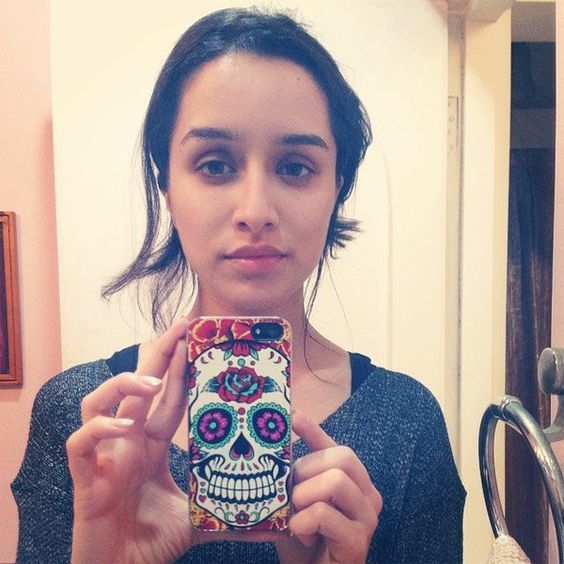 Shraddha Kapoor looks cute without make up photos