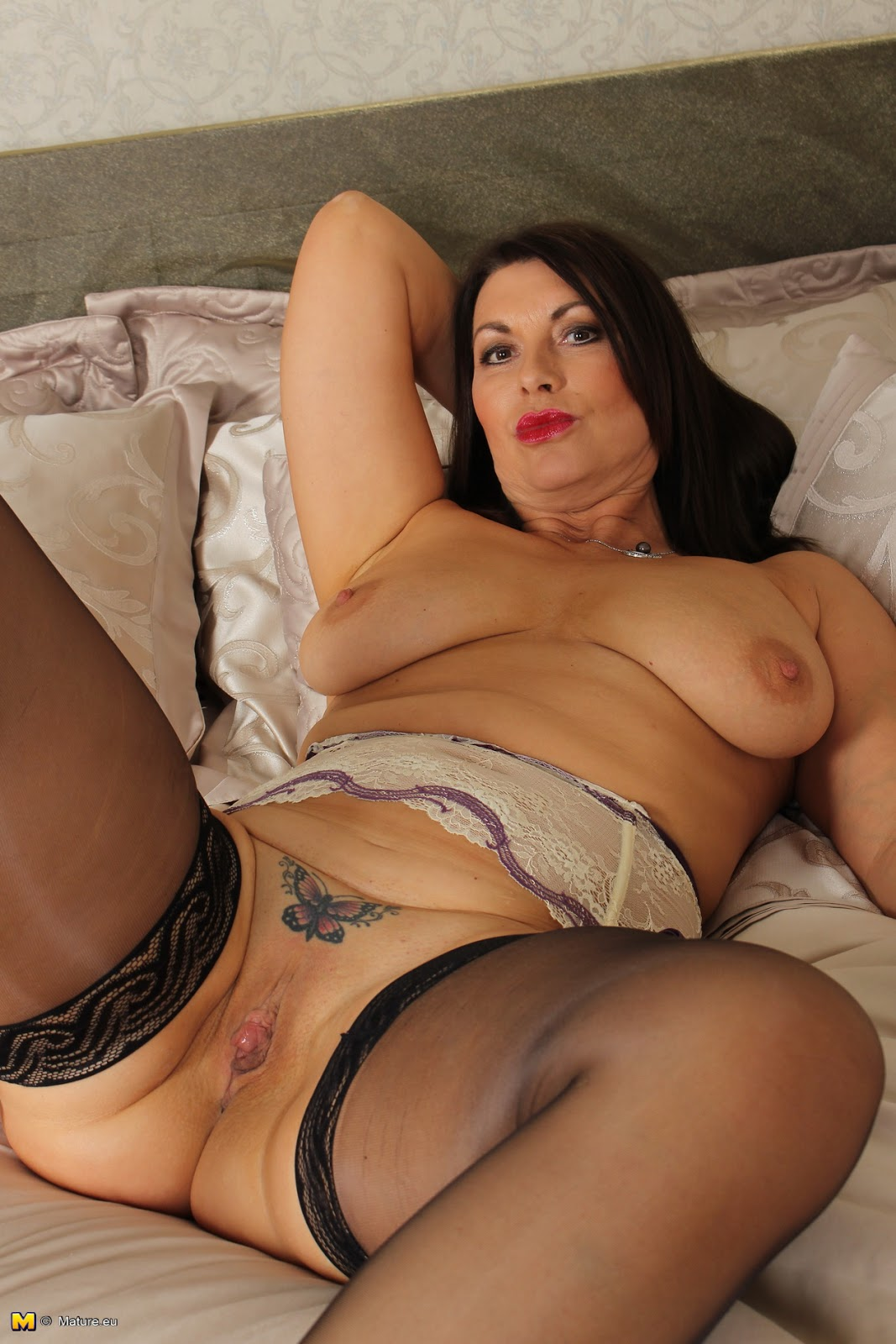 Amateur brunette milf british xxx hot 5