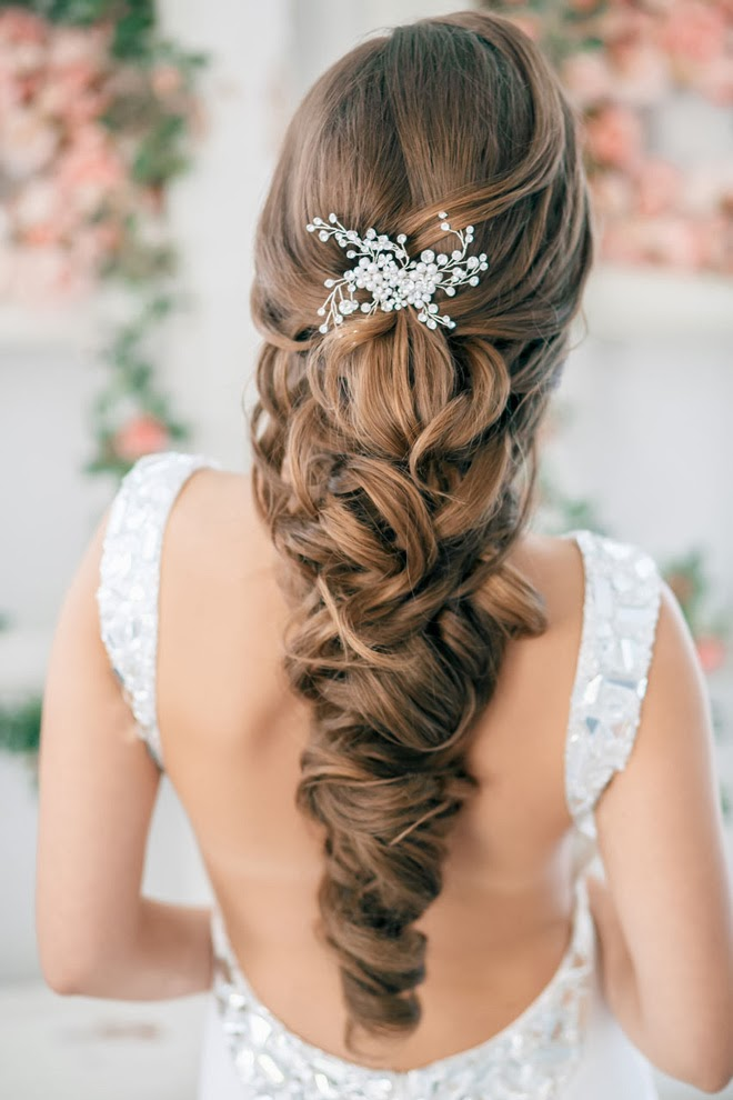 Steal worthy wedding hair ideas belle the magazine your wedding is your chance to be a star for a day so i thought id wrapped up this lovely week by giving you a collection of 12 gorgeous junglespirit Gallery