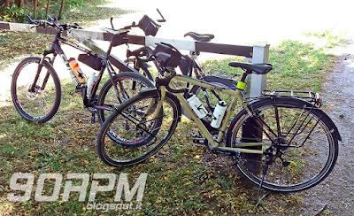 Alcune delle nostre biciclette durante una sosta.