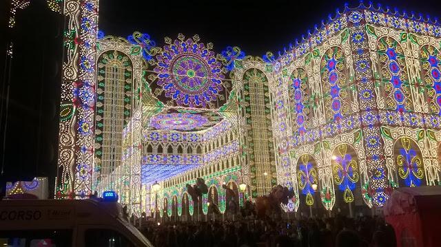 luminarie a Bari durante la festa di San Nicola(Ph.GDP)