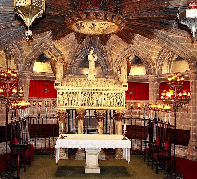 Cripta da catedral de Barcelona