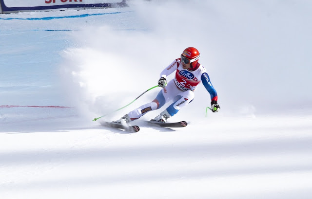 esquiador en la pista