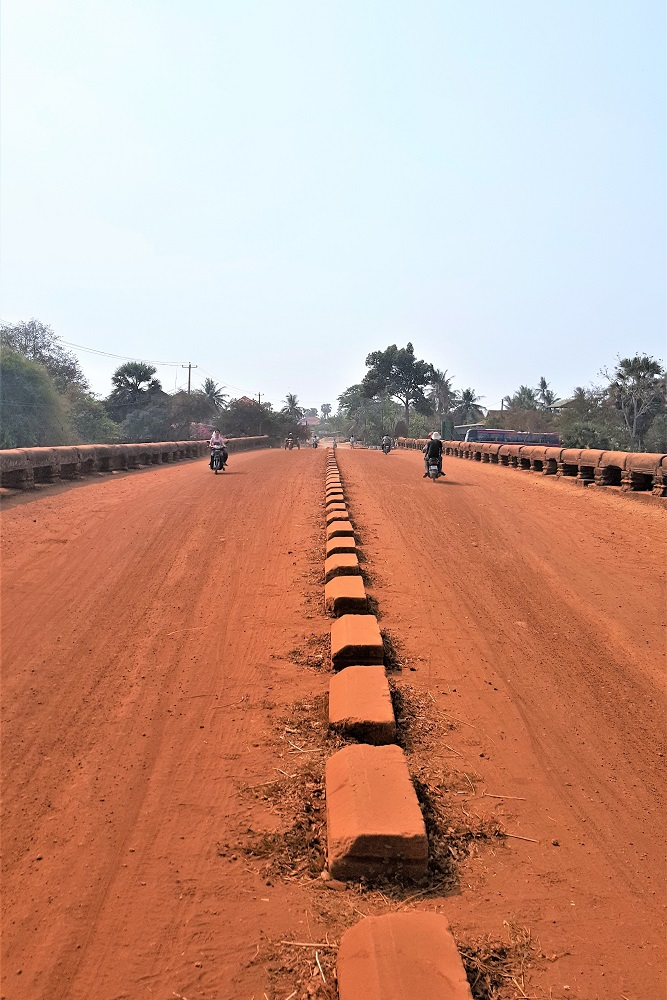 Red sand road in Cambodia - travel blog