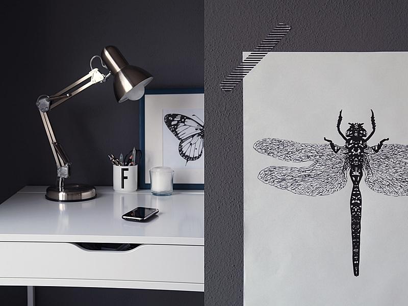 Scandinavian spring office decoration with DIY black and white prints // Frühlingsdeko am Schreibtisch mit selbst gemachten Postern