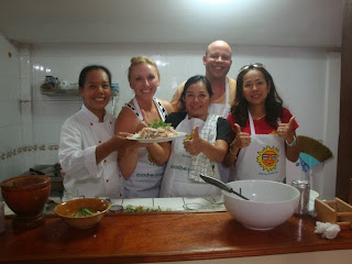 Private Thai food cooking classes - the Team
