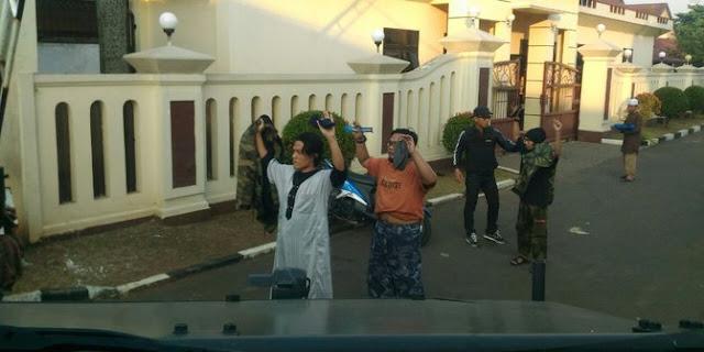 """""""Kerusuhan Mako Brimob Itu Dipicu Polisi, Istri Jenguk Disuruh Buka Baju"""""""