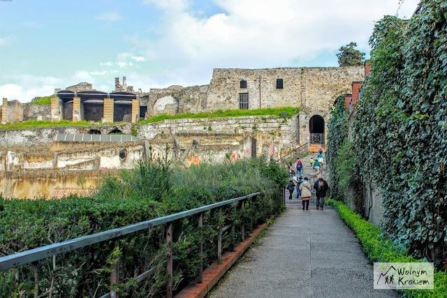 Pompeje ruiny - wejście na teren Pompei