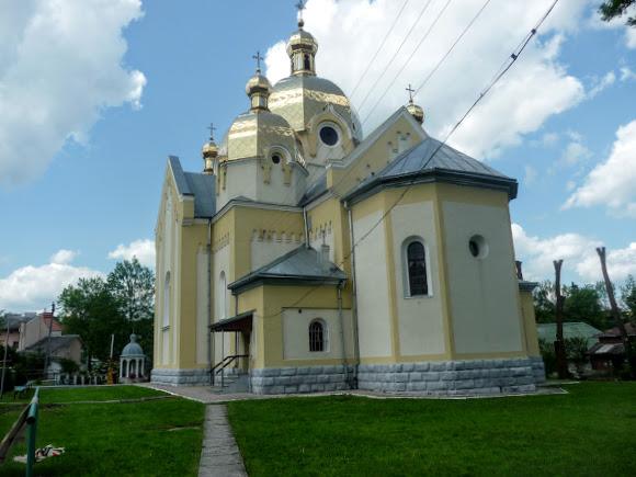 Долина. Церква Різдва Пр. Богородиці (1904)  Пам'ятка архітектури. УГКЦ