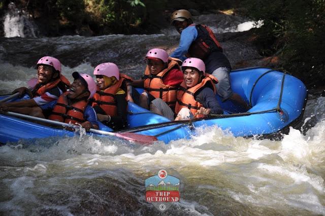 Paket Rafting Bandung - Tripoutbound