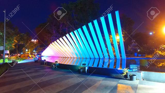 Wisata malam Taman Pelangi Surabaya