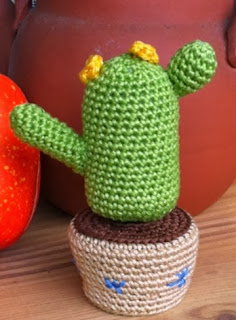 http://www.speckerna.de/pics/Muster/flash_device_cactus_crochet_pattern.pdf
