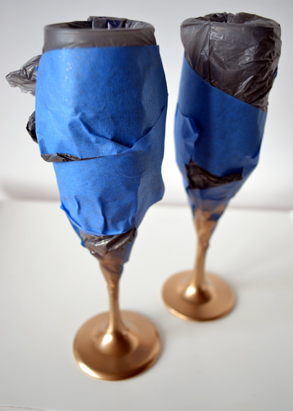 Spray Paint Champagne Glasses with valspar metallic gold and painter's tape