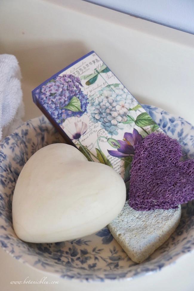 Botanic Bleu Valentines Day Gift Ideas