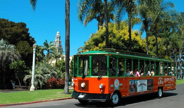 Hop on hop off trolley em San Diego