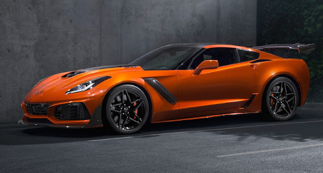 Презентация Chevrolet Corvette ZR1 в Дубае